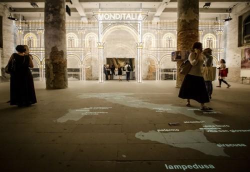 Luminarie del Salento: Monditalia con installazione Fratelli Parisi